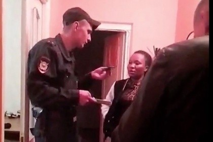 Состажем. ВНижневартовске полицейские задержали негритянку, зарабатывающую проституцией