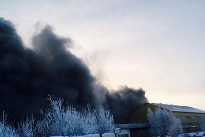 ВЮгре ремонт грузового автомобиля обернулся пожаром стремя пострадавшими