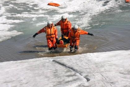 В Нижневартовске началась акция «Безопасный лед»