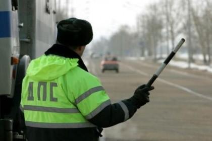 Инспектор ДПС заставил нетрезвого водителя чинить ему автомобиль