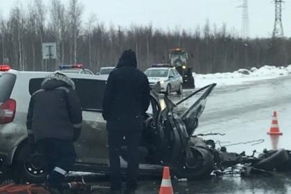 ВНефтеюганском районе Хонда влетела под КамАЗ
